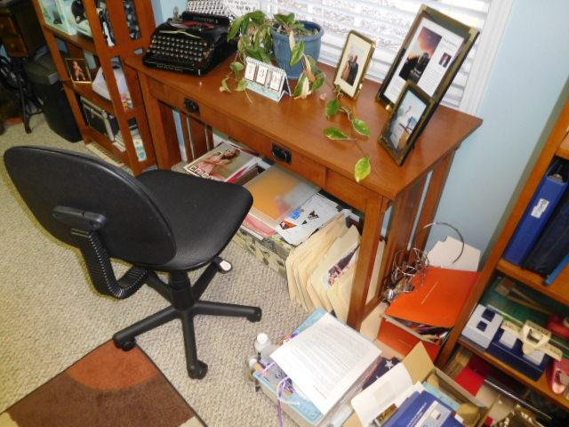 Bob Settle Estate and Regina Settle Living Estate Auction - DSCN5622.JPG