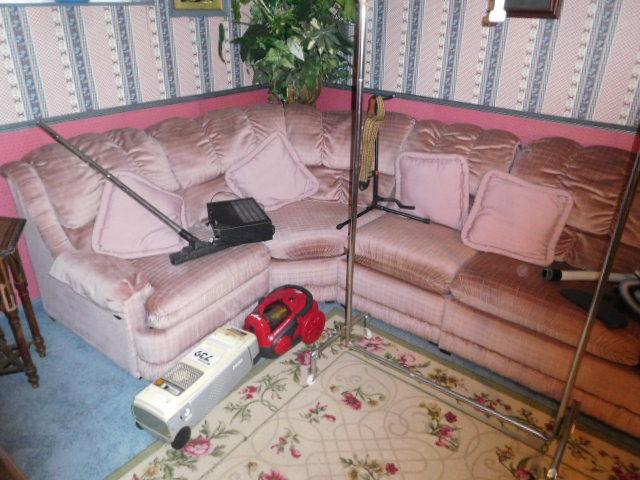Jackie Vaughn Estate Auction- Real Estate, Antiques, Household - DSCN5634.JPG