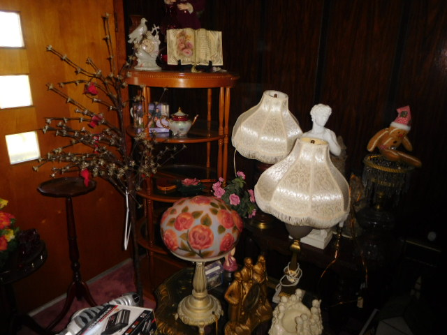 Jackie Vaughn Estate Auction- Real Estate, Antiques, Household - DSCN5648.JPG