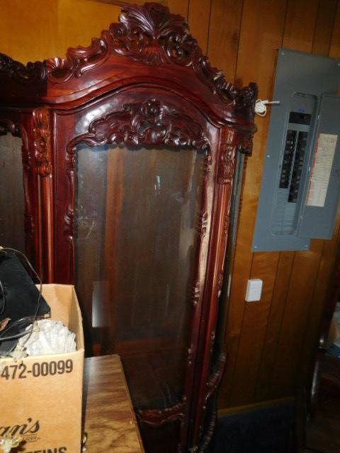 Jackie Vaughn Estate Auction- Real Estate, Antiques, Household - DSCN5660.JPG