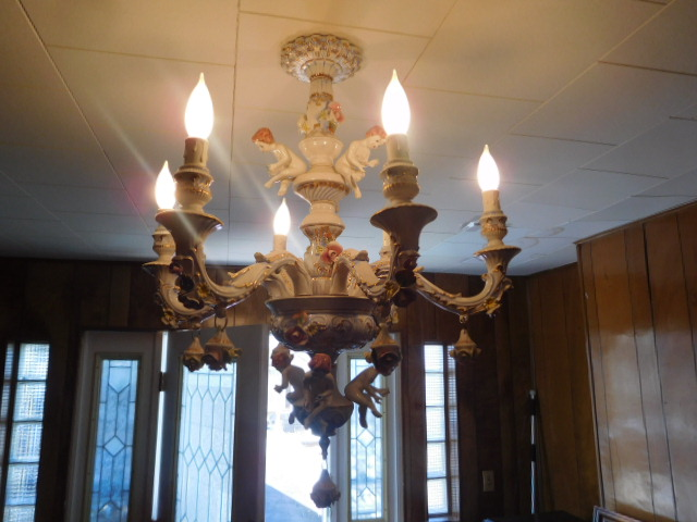 Jackie Vaughn Estate Auction- Real Estate, Antiques, Household - DSCN5786.JPG