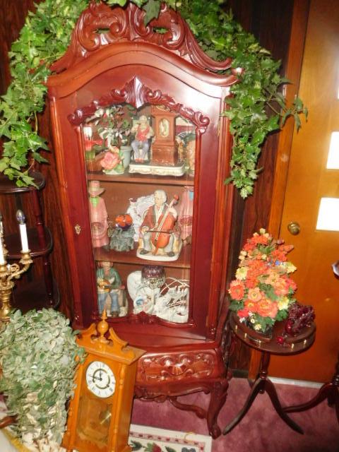 Jackie Vaughn Estate Auction- Real Estate, Antiques, Household - DSCN5796.JPG