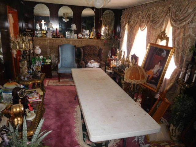 Jackie Vaughn Estate Auction- Real Estate, Antiques, Household - DSCN5800.JPG