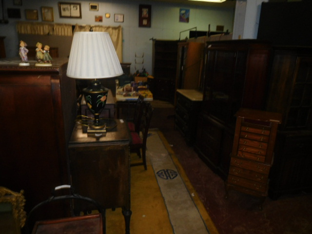 Sunday Afternoon Estates Auction Noon - DSCN6151.JPG