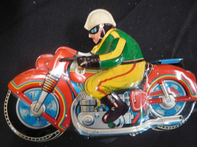 Advertising, Large Keen Kutter, Vintage toy, Jars Etc two Estate Collections - DSCN9540.JPG