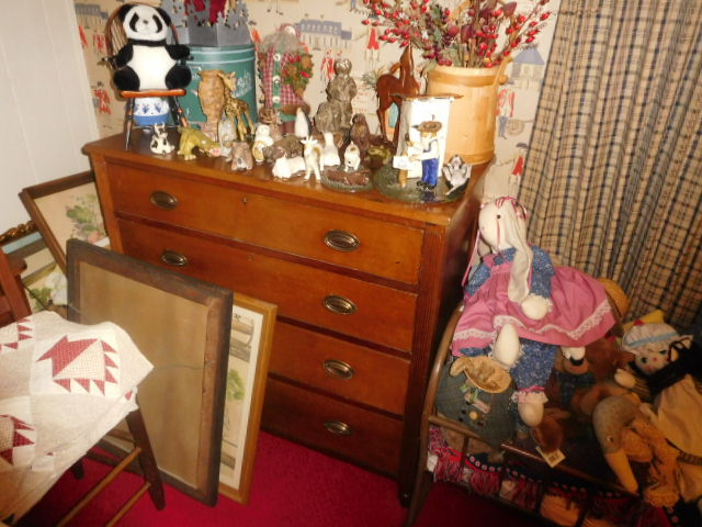 Ike and Mary Robinette Estate Auction Kingsport Tennessee   - DSCN9754.JPG