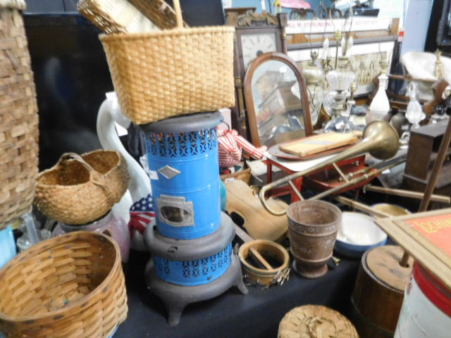 The Joanne and Joe Deyton Estate Collection Auction - DSCN9438.JPG