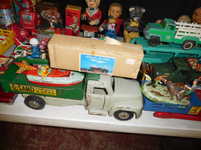 The Dave Berry Toy Auction - DSCN9770.JPG