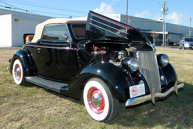 David Berry Estate Auction New Years Day-1935 LaSalle, 1936 Ford, Mascots, Antique Pharmacy items and more - 6128.jpg