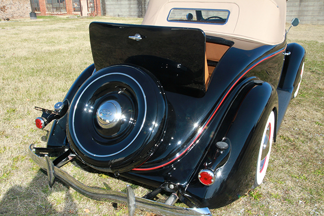 David Berry Estate Auction New Years Day-1935 LaSalle, 1936 Ford, Mascots, Antique Pharmacy items and more - 6134.jpg