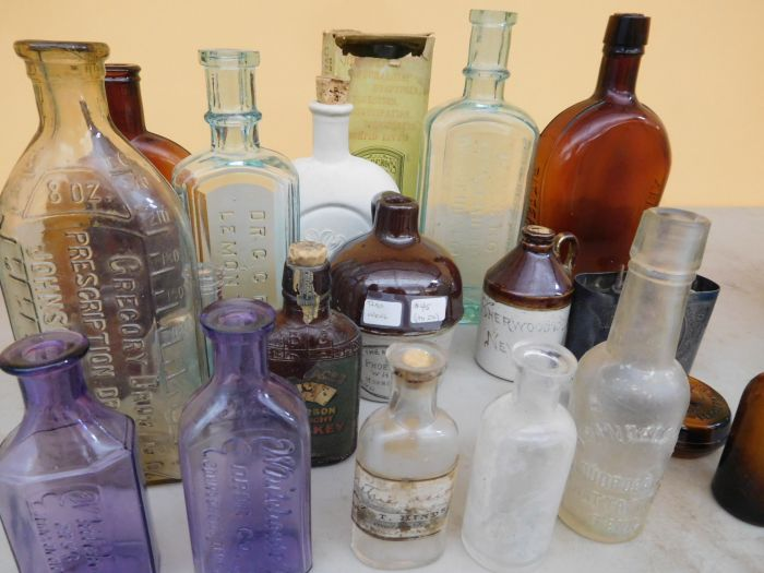 Ralph Van Brocklin Estate- Bottles- Post and Trade cards--Mini Jugs and other advertising - DSCN9641.JPG