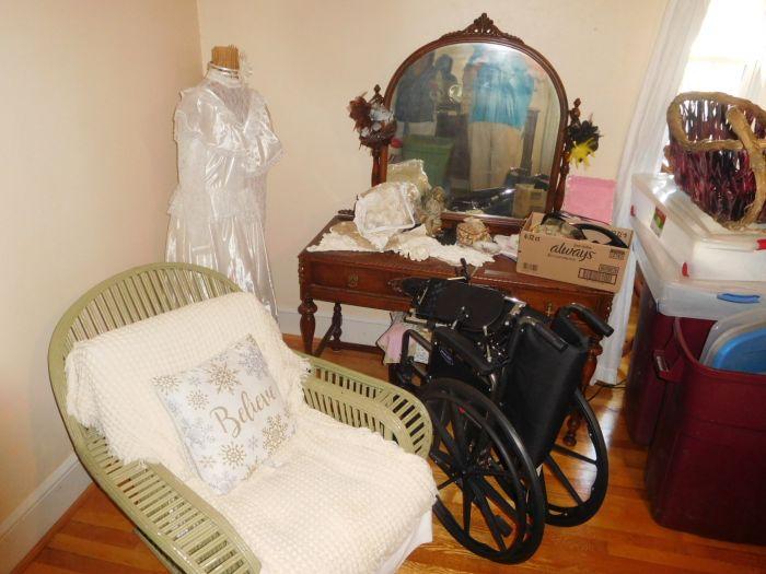 Roger Babb Living Estate Auction  - DSCN0068.JPG