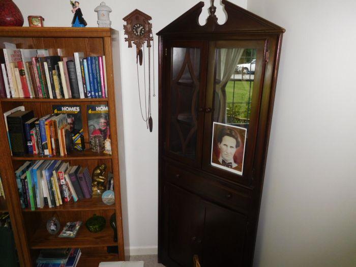Sonja Fox Estate Auction - DSCN9676.JPG