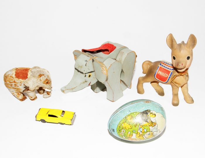 Don Squibb Estate Auction,Toys,Candy Containers, Games. Chocolate  Molds, Advertising Dolls plus much more. - 119_1.jpg