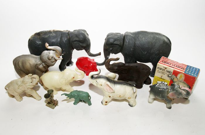 Don Squibb Estate Auction,Toys,Candy Containers, Games. Chocolate  Molds, Advertising Dolls plus much more. - 127_1.jpg