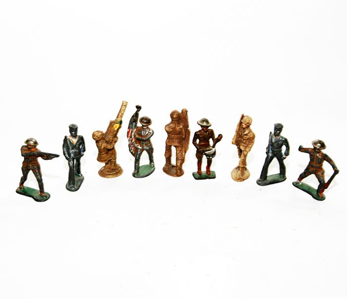 Don Squibb Estate Auction,Toys,Candy Containers, Games. Chocolate  Molds, Advertising Dolls plus much more. - 130_1.jpg