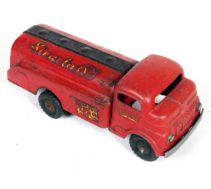 Don Squibb Estate Auction,Toys,Candy Containers, Games. Chocolate  Molds, Advertising Dolls plus much more. - 140_1.jpg