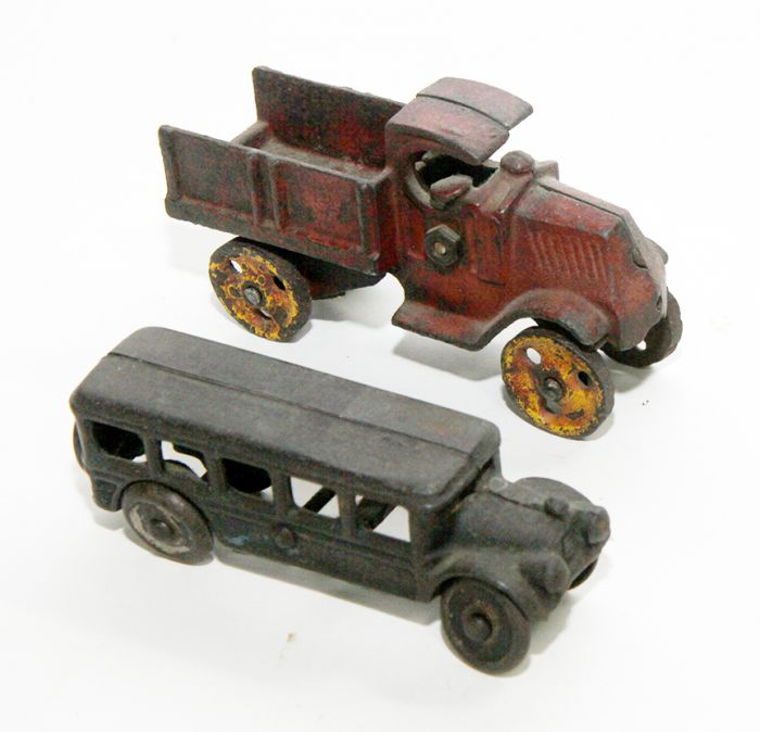 Don Squibb Estate Auction,Toys,Candy Containers, Games. Chocolate  Molds, Advertising Dolls plus much more. - 150_1.jpg
