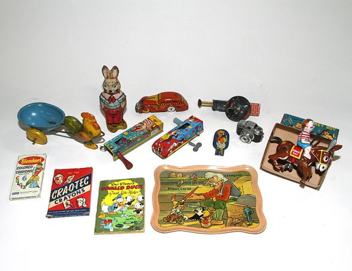 Don Squibb Estate Auction,Toys,Candy Containers, Games. Chocolate  Molds, Advertising Dolls plus much more. - 168_1.jpg