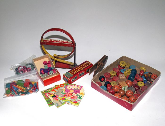 Don Squibb Estate Auction,Toys,Candy Containers, Games. Chocolate  Molds, Advertising Dolls plus much more. - 170_1.jpg
