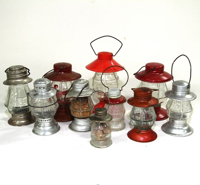 Don Squibb Estate Auction,Toys,Candy Containers, Games. Chocolate  Molds, Advertising Dolls plus much more. - 17_1.jpg