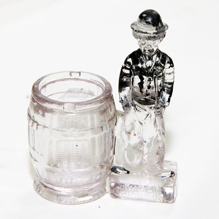 Don Squibb Estate Auction,Toys,Candy Containers, Games. Chocolate  Molds, Advertising Dolls plus much more. - 4_1.jpg