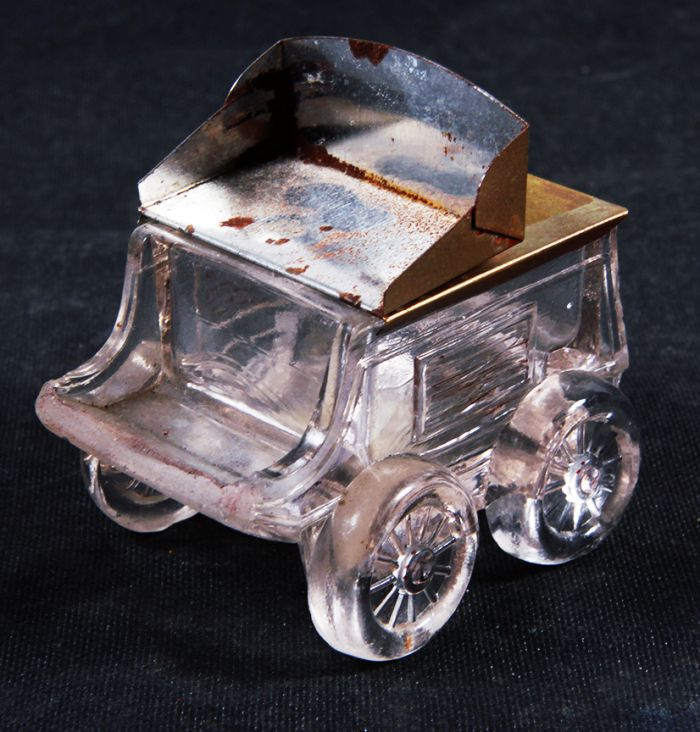 Don Squibb Estate Auction,Toys,Candy Containers, Games. Chocolate  Molds, Advertising Dolls plus much more. - 5_1.jpg
