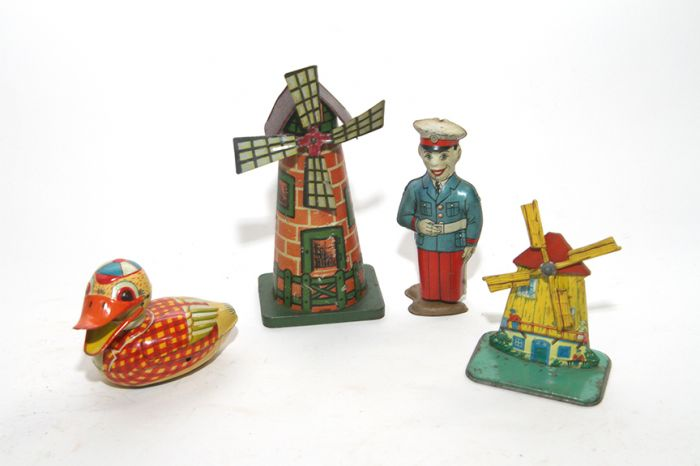 Don Squibb Estate Auction,Toys,Candy Containers, Games. Chocolate  Molds, Advertising Dolls plus much more. - 79_1.jpg