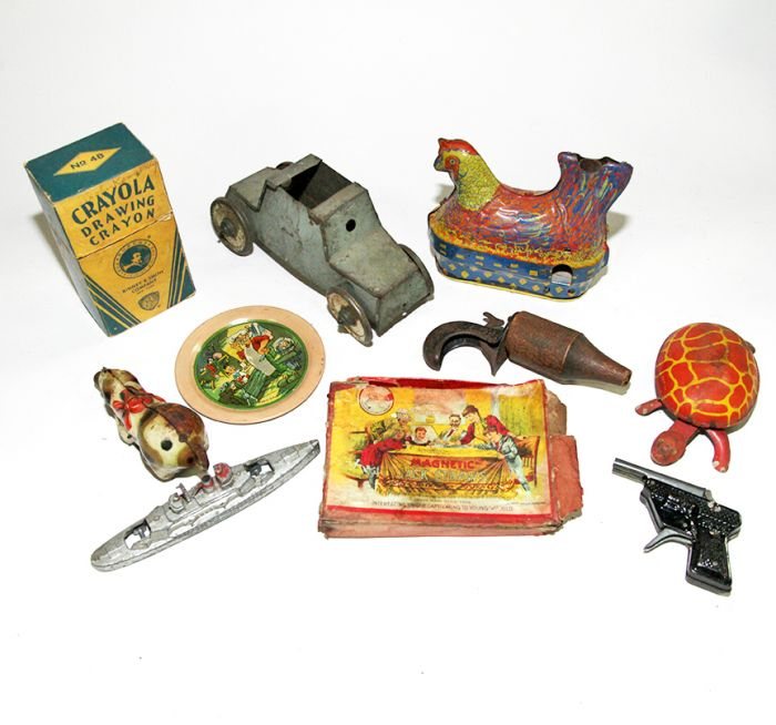 Don Squibb Estate Auction,Toys,Candy Containers, Games. Chocolate  Molds, Advertising Dolls plus much more. - 89_1.jpg